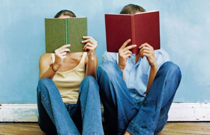 two-people-reading-books8.jpg